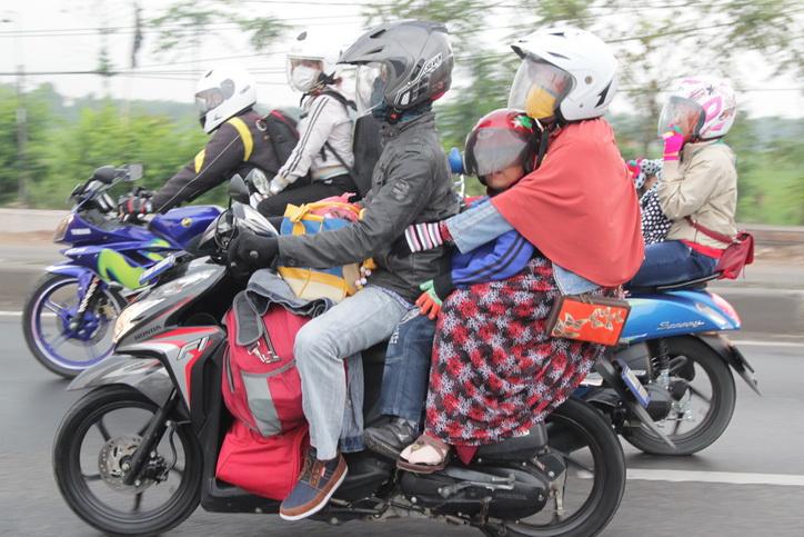 Tips aman mudik naik motor
