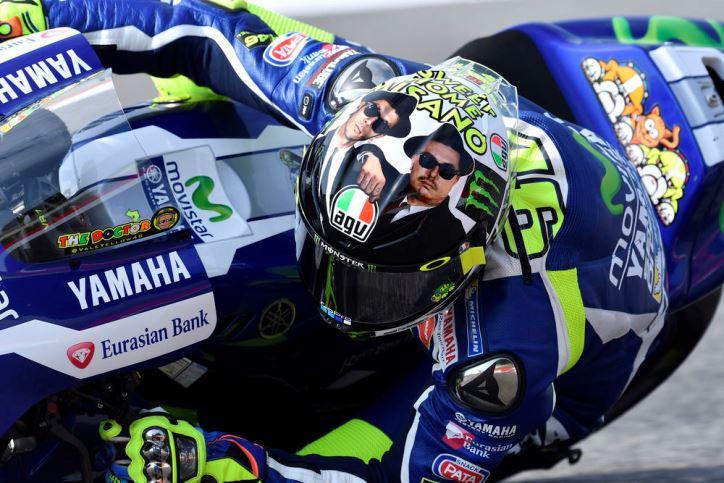 Helm Baru Rossi 'The Blues Brother' Spesial Untuk MotoGP Misano