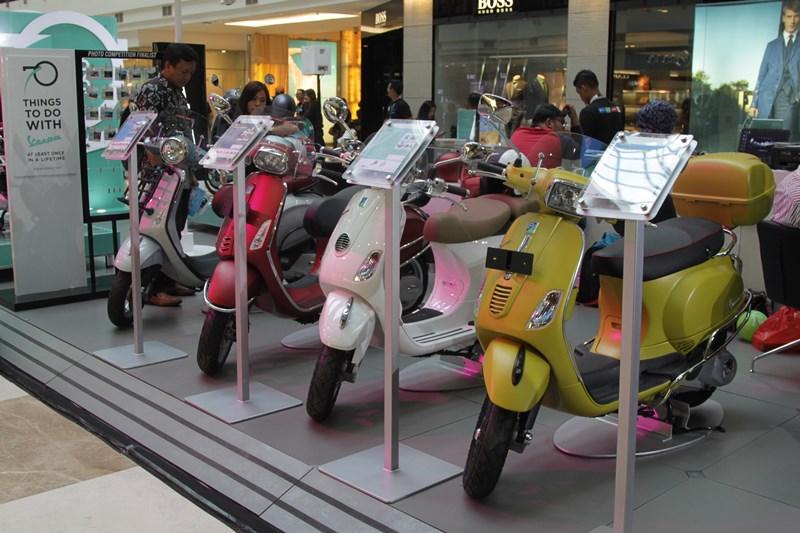 Diskon Besar Aksesori Vespa di Piaggio Motoplex Pondok Indah