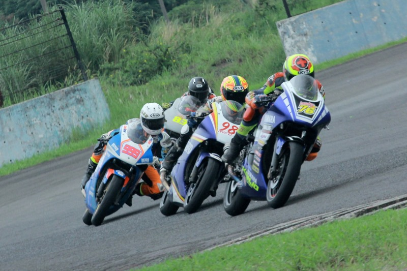 Yamaha R15 dan R25