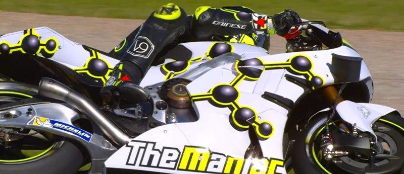 Busana 'Nyentrik' Iannone dan Suzuki GSX-RR pada Tes MotoGP Valencia