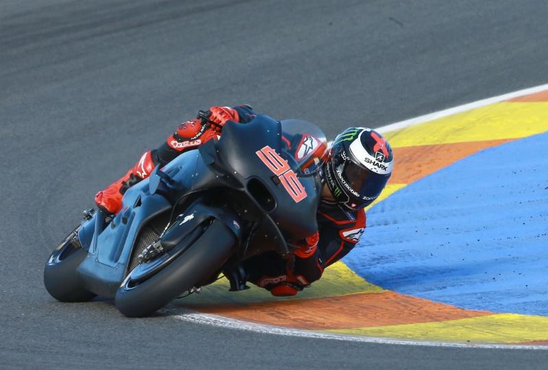Lorenzo Meyakini Konspirasi Dibalik Larangan Winglet di MotoGP