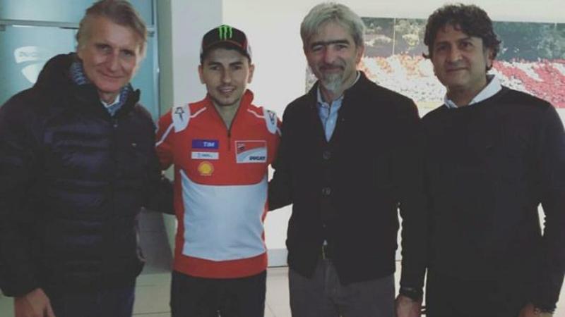 Lorenzo Disambut Karyawan Ducati