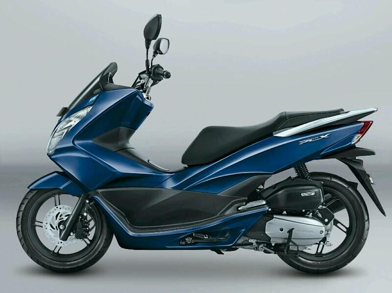 Warna Baru Honda PCX 150 Exclusive Poseidon Blue