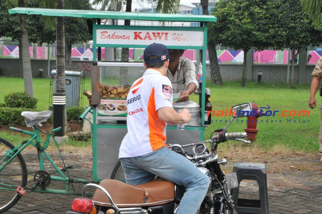 Foto Marquez Beli Bakso Bakwan Malang