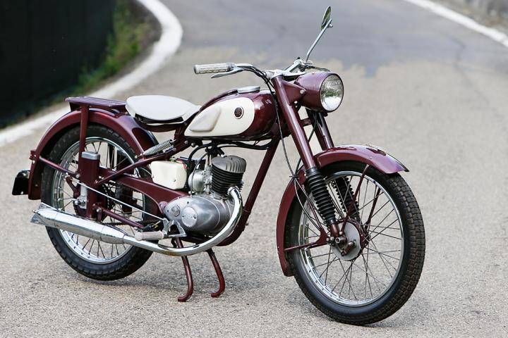 Kisah Motor klasik Yamaha YA-1