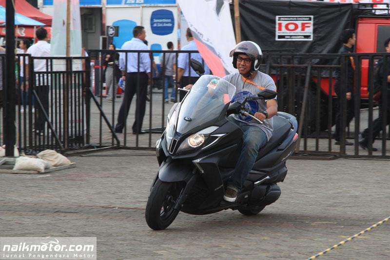 Test Ride Kymco Downtown