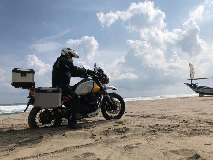 Moto Guzzi V85TT,