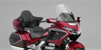 android auto gold wing