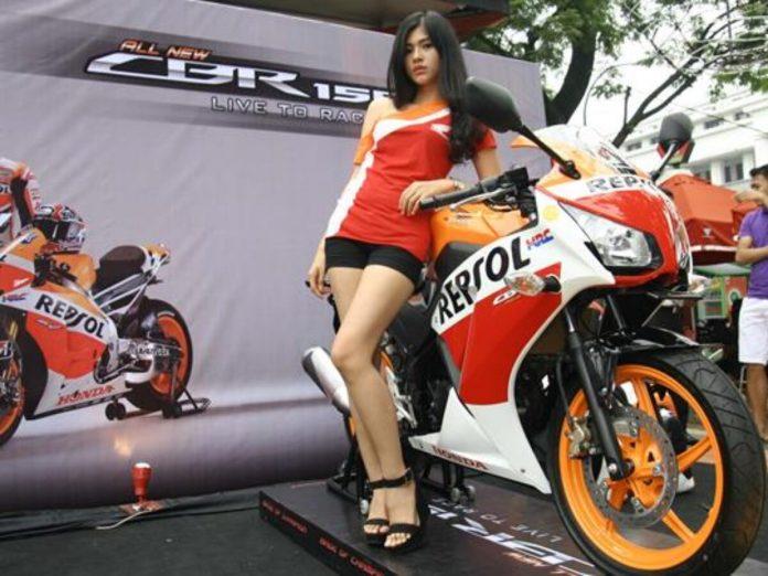Honda-CBR150R DOHC
